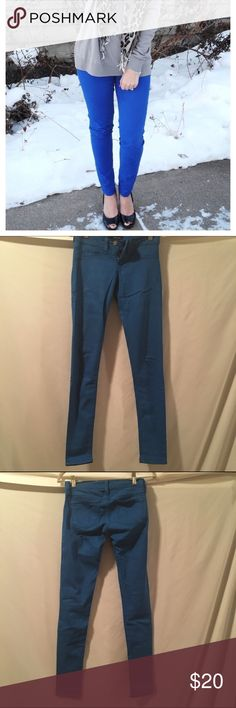 Bright BLUE jeans These are ultra blue. Nice and stretchy. Great condition. Fits butt well. Macy's Pants Skinny