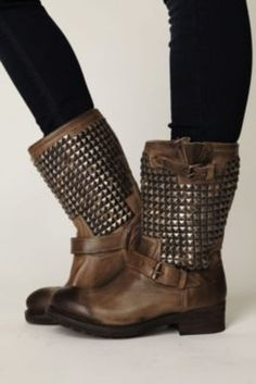 MUST HAVE. i want them :(