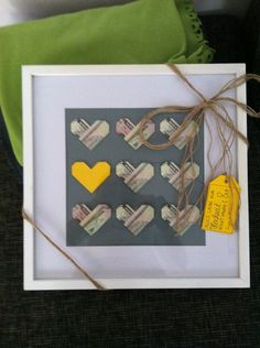 idea to give money as a gift: Do origami hearts, frame them, add colorful accents with a cool note!Awesome idea to give money as a gift: Do origami hearts, frame them, add colorful accents with a cool note! Wedding Gifts For Newlyweds, Newlywed Gifts, Craft Gifts, Diy Gifts, Wrapping Gift, Money Origami, Origami Box, Fabric Origami, Baby Shower Gifts For Boys