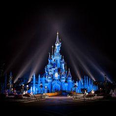 Sleeping Beauty Castle at night in Disneyland Paris DLP Disney Le Chateau de Le belle au bois dormant