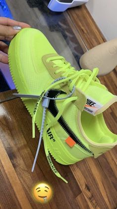 Sep 2019 - Men fashion and style photos Cute Sneakers, Sneakers Mode, Sneakers Fashion, Shoes Sneakers, Shoes Men, Fashion Shoes, Fashion Outfits, Nike Air Shoes, Hype Shoes