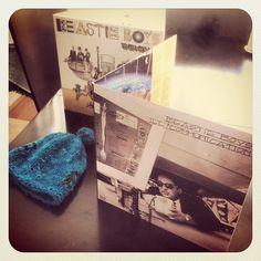"""Beastie Boys - Ill Communication (1994)  Edición Especial 2 vinilos  Escuchar:  http://tny.gs/yFstZ2 Mención honrosa """"Get It Together"""" http://tinysong.com/100Yz"""