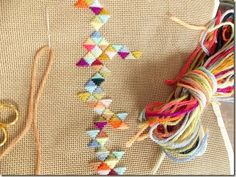 Geometric embroidery with tapestry yarn - by cozy made things #studiopaars