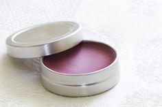 Vanille Balsam für rissige Lippen - Beauty-Geschenke: Kosmetik selber machen ©iStock/Aidart