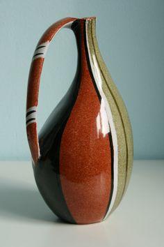 Krösselbach Fayence Keramik vase by Cläre Zange, height: ca. 19 cm. 1950s. WGP West German pottery.