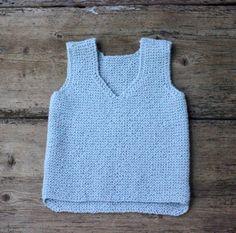Verdens nemmeste vest til børnehaven - susanne-gustafsson. Crochet Baby, Knit Crochet, Baby Vest, Knitting For Beginners, Baby Knitting Patterns, Diy Baby, Couture, Knitwear, Kids Fashion