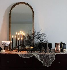 Below are the Halloween Decoration Ideas For Your Apartment. This article about Halloween Decoration Ideas For Your Apartment was posted … Halloween Tags, Table Halloween, Soirée Halloween, Halloween Dinner, Halloween Home Decor, Holidays Halloween, Classy Halloween Wedding, Halloween Table Decorations, Living Room Halloween Decor