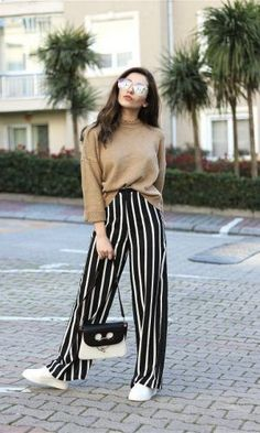 Dressed Up in Nautical Stripes – How to Style Wide Leg Pants – Photos - Hosen Look Fashion, Trendy Fashion, Fashion Outfits, Womens Fashion, Fashion Trends, Fashion Ideas, Fashion Spring, Winter Fashion, Dress Fashion