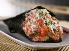 Temaki com salmão, cebolinho e queijo filadélfia!, Receita Petitchef