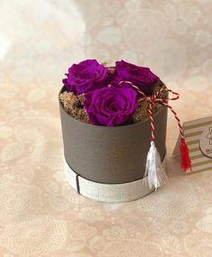 Minunatii trandafiri criogenati, cadoul perfect pentru mama ta. #bloomeria Preserved Roses, Bracelets, Flowers, Leather, Jewelry, Instagram, Fashion, Bangle Bracelets, Jewellery Making