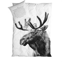 Sengetøj Moose, voksen sengesæt med dyreprint fra By Nord Moose Quilt, Moose Animal, Modern Duvet Covers, Tree Bed, Double Duvet, Winter House, Deco Design, Print Design, Pet Beds
