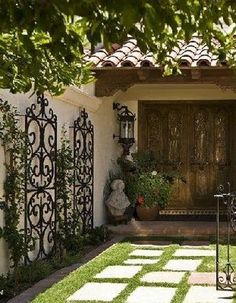 Amazing Wall Outdoor Design Ideas is part of Wrought iron trellis - Do you need outdoor designs ideas The first step is have a family group council and discuss over what you […] Patio Wall Decor, Iron Wall Decor, Outside Wall Decor, Porch Wall, Backyard Patio, Backyard Landscaping, Landscaping Ideas, Spanish Landscaping, Wrought Iron Trellis