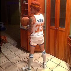 "Pin for Later: Seht alle Halloween-Kostüme der Stars Justin Bieber als Jackie Moon aus ""Semi-Pro"""
