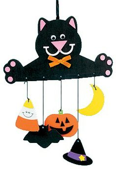 Halloween Cat Mobile  http://www.makingfriends.com/fallcrafts/halloween_black_cat_mobile.htm