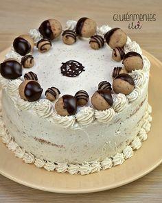 Az idei születésnapi tortám. :) Kiskoromban sokszor kértem Anyától gesztenyetortát születésnapomra, aztán valahogy eltűnt az életünkből (má... Gluten Free Sweets, Paleo, Tiramisu, Cukor, Ethnic Recipes, Desserts, Food, Tailgate Desserts, Deserts