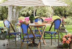 Love this cute patio set!