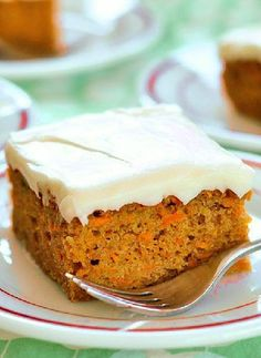 Homemade carrot cake is an easy, healthy option for dessert. Use this easy carrot cake recipe to make a decadent, healthy cake that everyone is sure to love Carrot Spice Cake, Homemade Carrot Cake, Easy Carrot Cake, Carrot Cakes, Sugar Free Carrot Cake, Gluten Free Carrot Cake, Cake With Cream Cheese, Cream Cheese Frosting, Gourmet