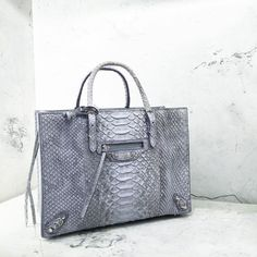 Papier Perfection @Balenciaga #Balenciaga #PersonalShopper #Shopping #BlackBoxConcierge