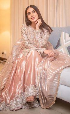 Pakistani Mehndi Dress, Dulhan Dress, Beautiful Pakistani Dresses, Pakistani Formal Dresses, Pakistani Bridal Dresses, Pakistani Outfits, Beautiful Dresses, Pakistani Gharara, Patiala Dress