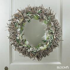 Easter Wreaths, Christmas Wreaths, Christmas Decorations, Holiday Decor, Grapevine Wreath, Flower Arrangements, Floral Design, Bloom, Spring