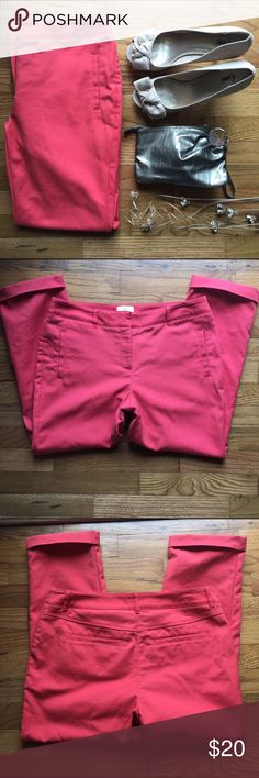 Chicos capris These coral Chicos So Slimming capris are perfect for summer! They are a Chicos size 0 but fit like a standard size 4. Chico's Pants Capris
