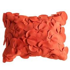 I've been in love with petal pillows lately... But don't want to spend a fortune on one... Gonna try making one!