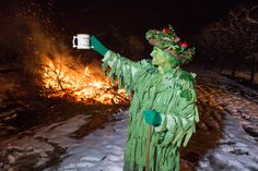 Thatchers Cider Wassail turned out to me a memorial night partly due the heavy snow full on the morning of the event and freezing temperatures. It's always a challenge to film the event, always tak…