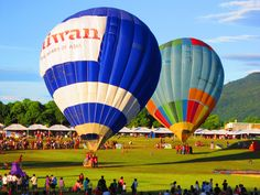 Balloon couple