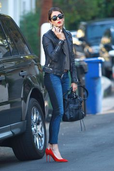 Nikki Reed in BLANKNYC Jeans. The jeans are from the NY brand, BlankNYC, and are called the Spray on jeans. The wash is a two panel style, in blue an black Chic Outfits, Winter Outfits, Fashion Outfits, Fashion Trends, Fashion Clothes, Casual Chic, Red Heels Outfit, Jeggings Outfit, Traje Casual