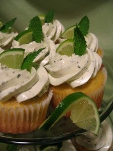 Mojito cupcakes for Cinco De Mayo some-day-i-m-gonna-try-these-recipes Cupcake Recipes, Cupcake Cakes, Dessert Recipes, Gourmet Cupcakes, Cup Cakes, Yummy Recipes, Just Desserts, Delicious Desserts, Yummy Food