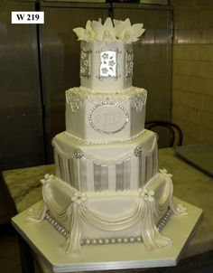 Carlos Bakery - Modern Wedding Cake Designs