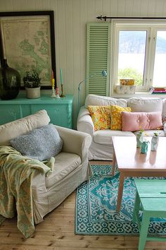 House of Turquoise: Huset ved Fjorden I love how comfortable this house looks! mix of new and old with fun colors