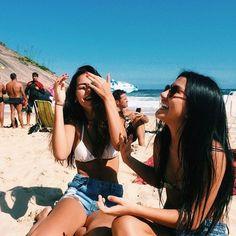 aquela amiga que te faz sempre feliz..... Mais uma opção de foto com a amiga, ou ate com uma pessoa especial.....
