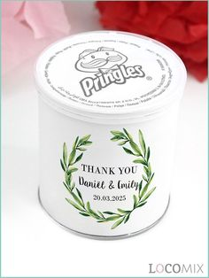 The Pringles Chips favours are perfect for a salty craving. These favours come with a personalised wrapper. You can use our online Design Tool to personalise your favourite design. The Pringles Chips favours are orderable from 20 pieces.