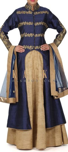 Buy this Gold lehenga adorn in zari and kundan embroidery only on Kalki