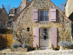 Holiday home La Combe - Domme - Périgord Noir (Dordogne) France - Location Gite, Log Fires, Cozy Cottage, French Cottage, Dordogne, Beautiful Buildings, Ideal Home, Home And Garden, Vacation