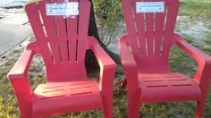 Chairs for Charlie: Neighbors help cancer patient with his daily walk