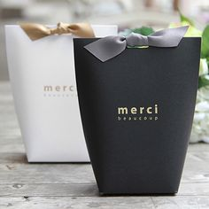 Source Merci Samll Paper Packaging Tie Box Favor Wedding Candy Gift box on Cookie Packaging, Gift Box Packaging, Paper Packaging, Packaging Ideas, Small Packaging Boxes, Packaging Design Box, Wedding Packaging, Design Package, Candy Gift Box