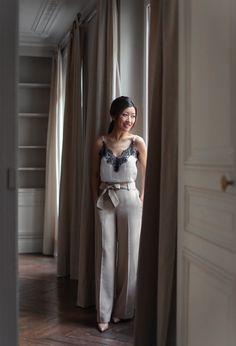 classy parisian style in ann taylor pants // extra petite fashion blog