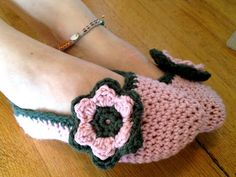 Crochet Flower Slippers For all you infrequent flyers out there: planes are freezing.  I forgot this important bit of information when I boa...