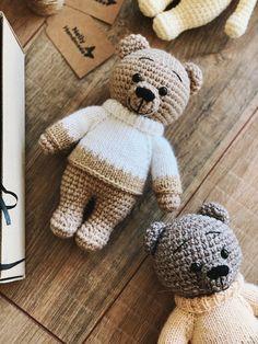 Crochet dolls 346003183875111114 - FREE crochet teddy bear pattern Source by nowotarski Crochet Pattern Free, Crochet Bear Patterns, Crochet Motifs, Crocheting Patterns, Teddy Bear Patterns Free, Teddy Ruxpin, Teddy Bear Clothes, Teddy Bear Toys, Knitted Teddy Bear