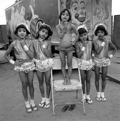 """MARY ELLEN MARK'S """"INDIAN CIRCUS"""" History Of Photography, Documentary Photography, Children Photography, Street Photography, Mary Ellen Mark, Beautiful Little Girls, Famous Photographers, Vintage Circus, Advertising Photography"""
