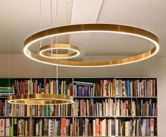 #bibliotheek verlichting #ring lamp # messing Beautiful Lights, Messing, Gold Leaf, Chandelier, Colours, Ceiling Lights, Lighting, Home Decor, Taps