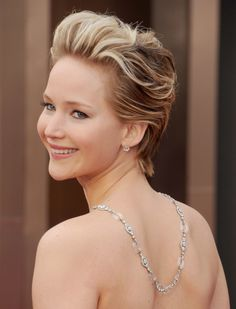 HOW much did Jennifer Lawrence's diamond and crystal necklace cost??