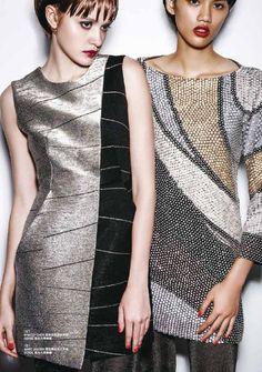 The 80's Rock'n'Roll Metallic trend is a glamorous comeback for FW2014, SHIATZY CHEN <Metallic Ink Stone Dress> conveys the powerful yet feminine style of all. 八○年代搖滾金屬風格閃耀出令人無法抗拒的魅力,夏姿˙陳 2014秋冬〈金屬硯池洋裝〉以銀、黑、金打造女性幹練摩登姿態。  【圖片來源:台灣MILK X 9月號 / Photo: Taiwan MILK X 2014 September Issue】  www.shiatzychen.com