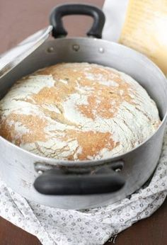 Ricetta pane senza impasto No knead bread Bread Recipes, Cooking Recipes, No Knead Bread, Salty Cake, Easy Bread, Veggie Pizza, Creative Food, Cooking Time, Food Inspiration