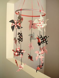 pinwheel mobile, strings of patriotic colored paper pinwheels would be cute fourth of july decorations Home Crafts, Diy And Crafts, Crafts For Kids, Arts And Crafts, Paper Crafts, Origami Charms, Oragami, Projects For Kids, Craft Projects