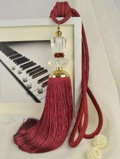 6 Colors QYM22 Polyester and Acrylic Curtain Tassel Tie Backs in Red Color