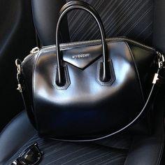 Givenchy bag☻