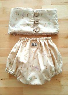 Cuello y culote bebé en libélulas crema. No son ideales???Hazte con ellos en www.lapanlapan.es